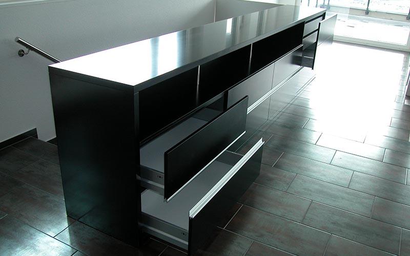 walker-rimag-schreiner-schreinerei-schwyz-ibach-innenreinrichtung-sideboard-schwyz-1